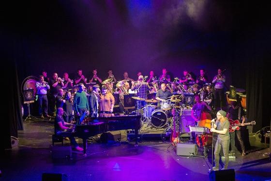 OV Variety-Full band. Photo by Manuel Harlan